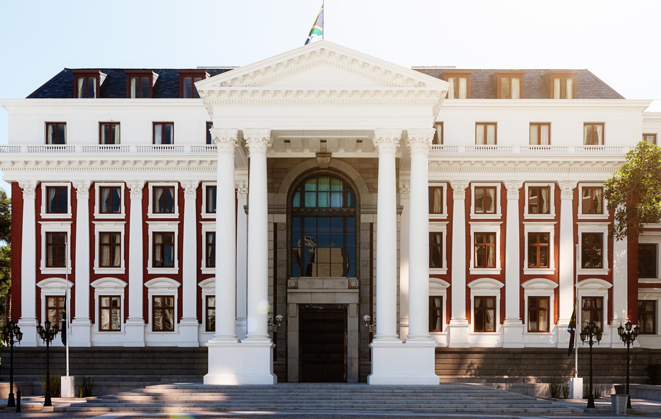 South African Parliament building, Cape Town | Jaya Travel & Tours