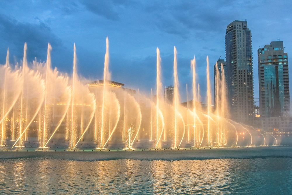 Dubai Fountain-dusk