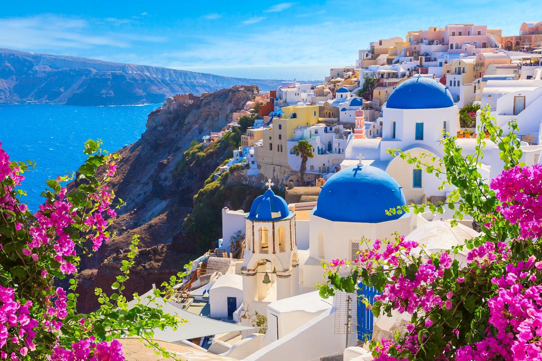 Santorini-Greece-hillside view