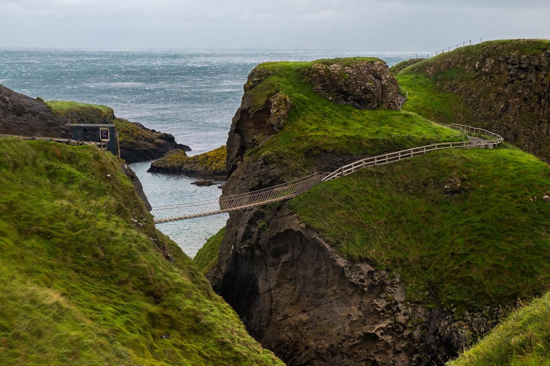 carrick-a-rede-roap-bridge-ireland