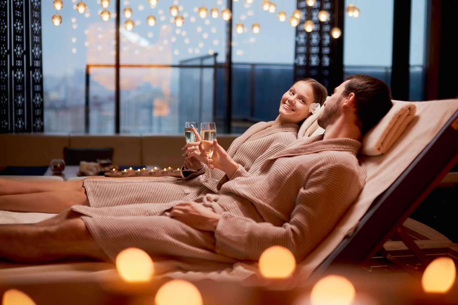 couple-relaxing-at-spa