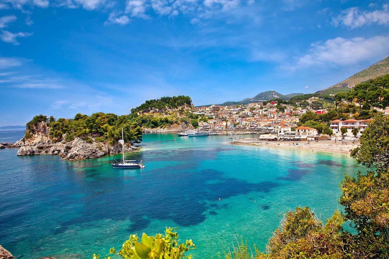 Beach in Greece-beautiful blue waters